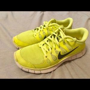 Nike women athletic shoes